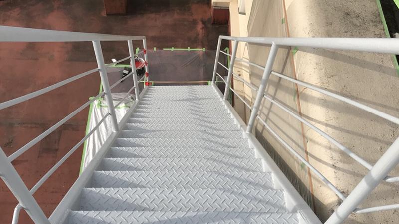 外階段(錆止め)