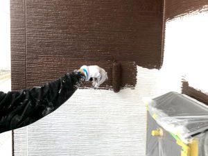 【外壁塗装工事】中塗り