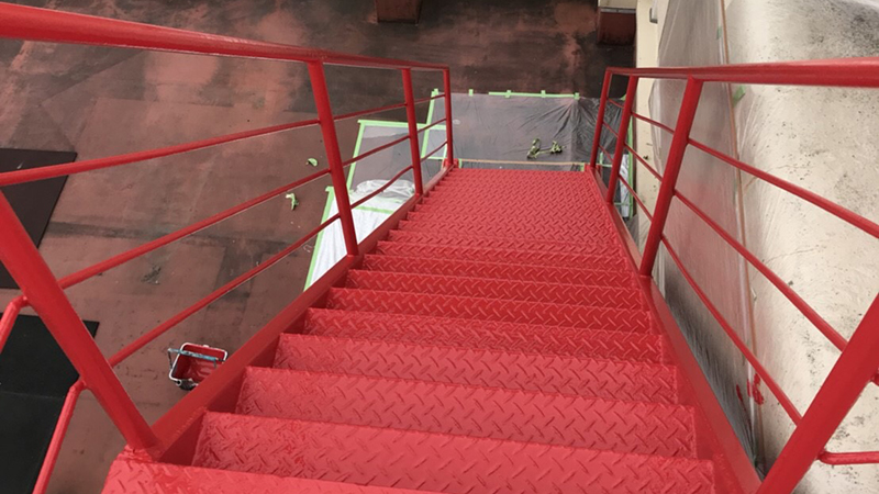 外階段(塗装済み)
